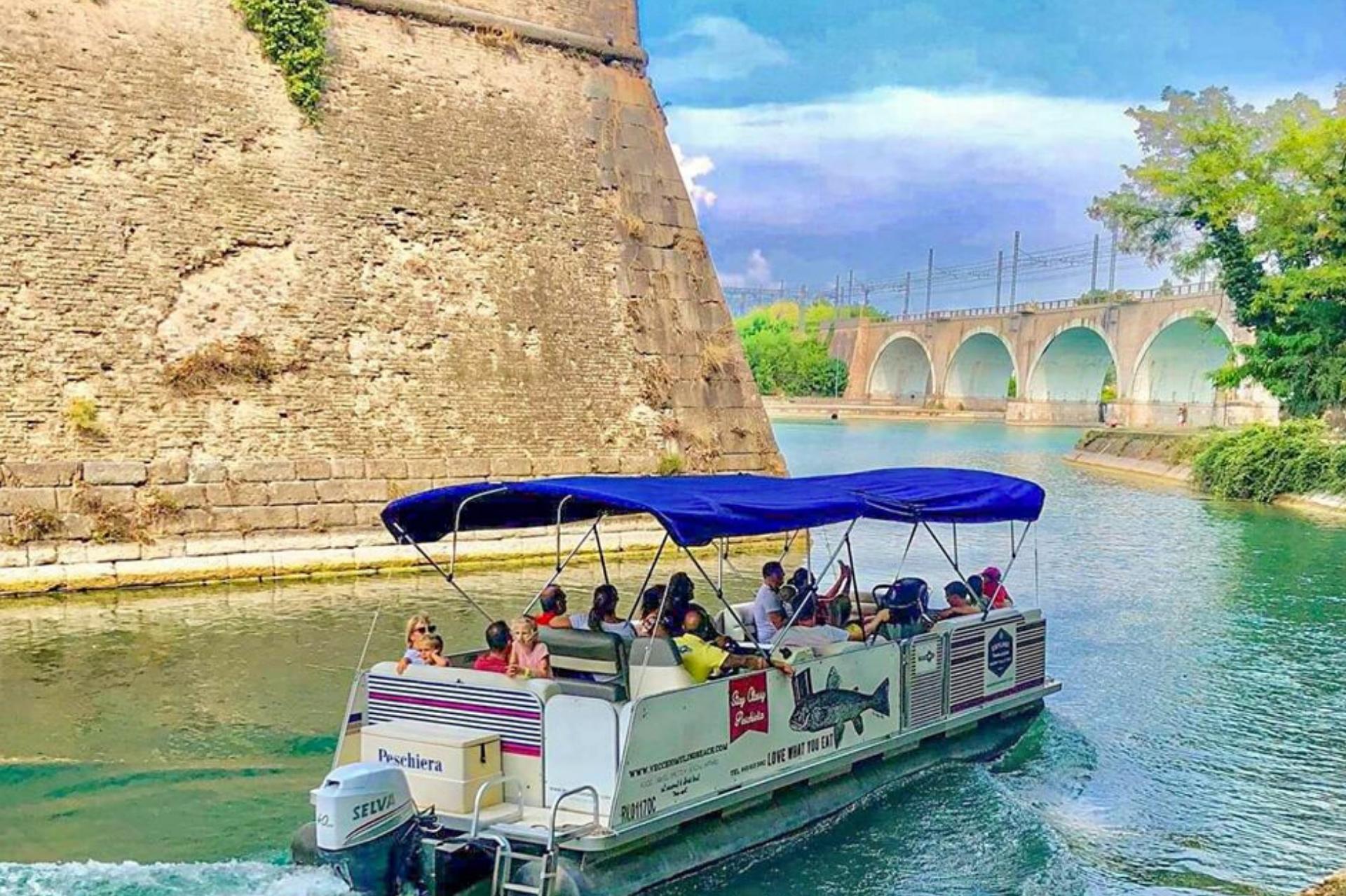 Visita guidata in barca alla fortezza Unesco